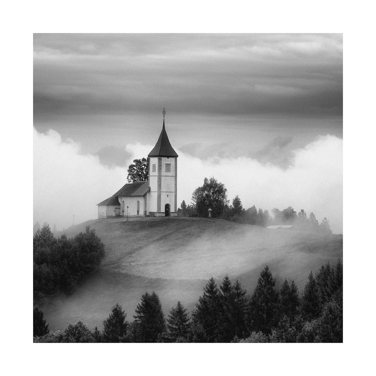 В мъглата от Надя Джевелекова - Flavia85