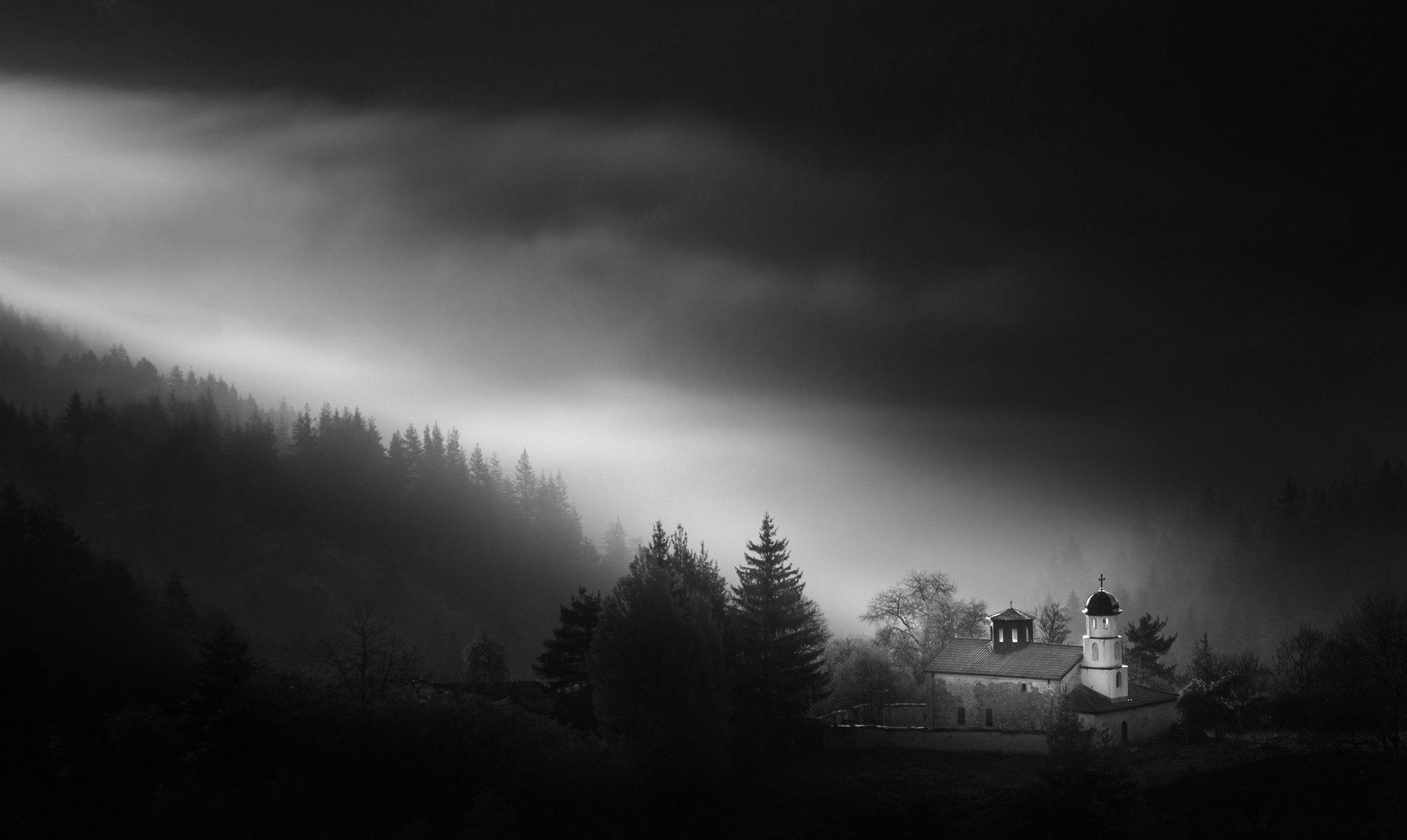 Храмът от Miroslav Mominski - Miroslav_Mominski