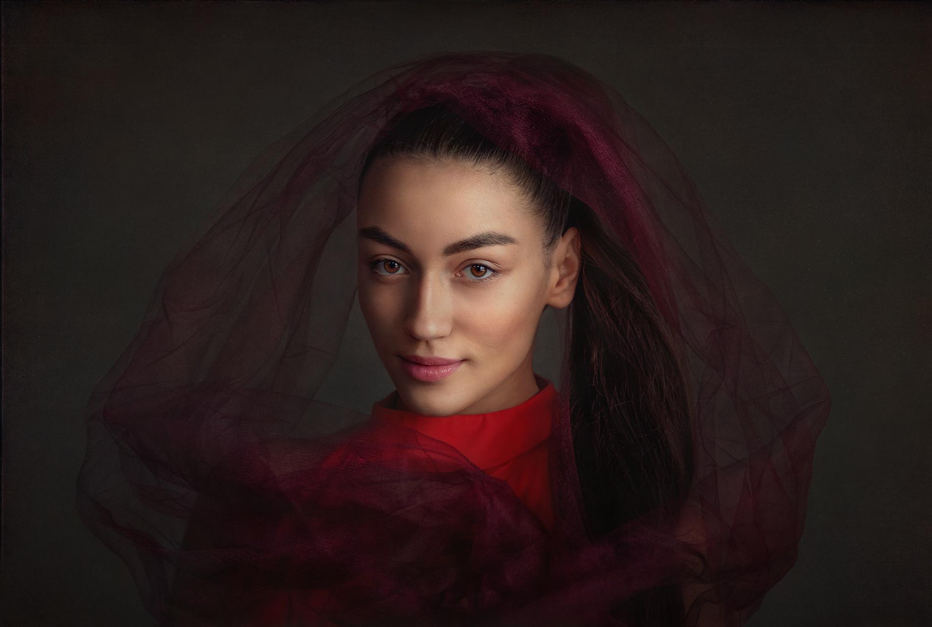 Portrait of a young beauty от Krassik Kolev - krassik