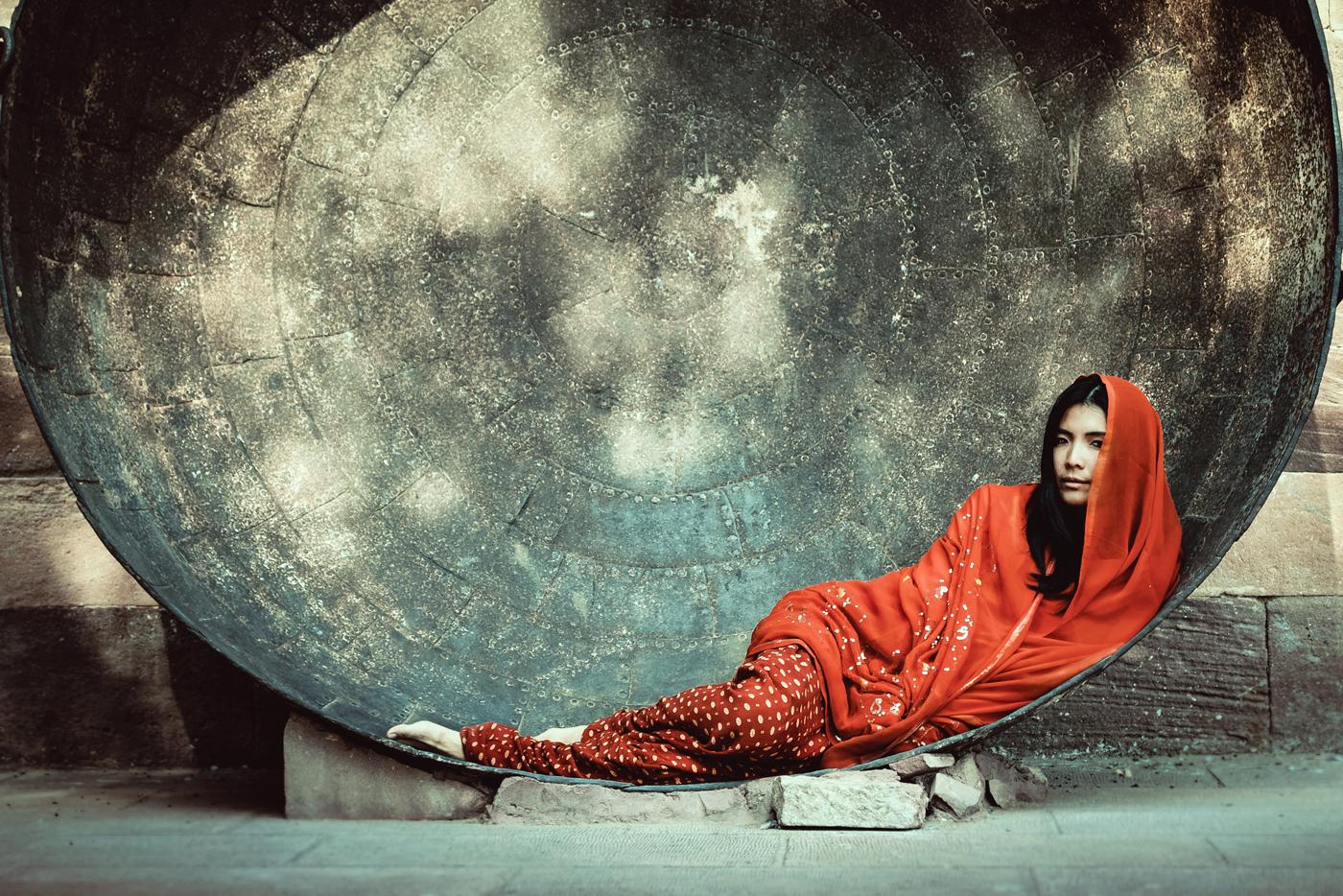 Месечина от Георги Александров - cTpaHHo