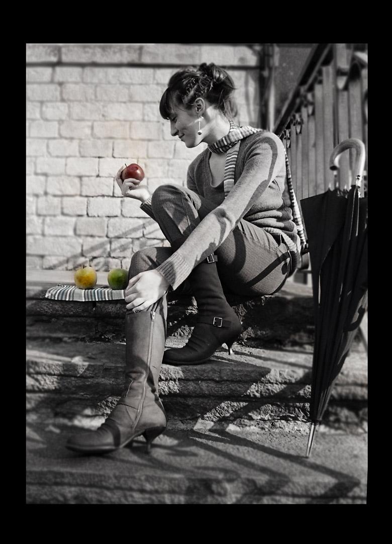 ябълкови спомени от един слънчев следобед   Author Ari Marson - Mermaid   PHOTO FORUM
