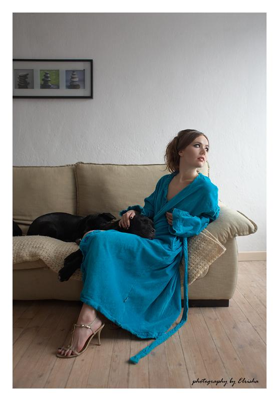 момичето с кученцата 4
