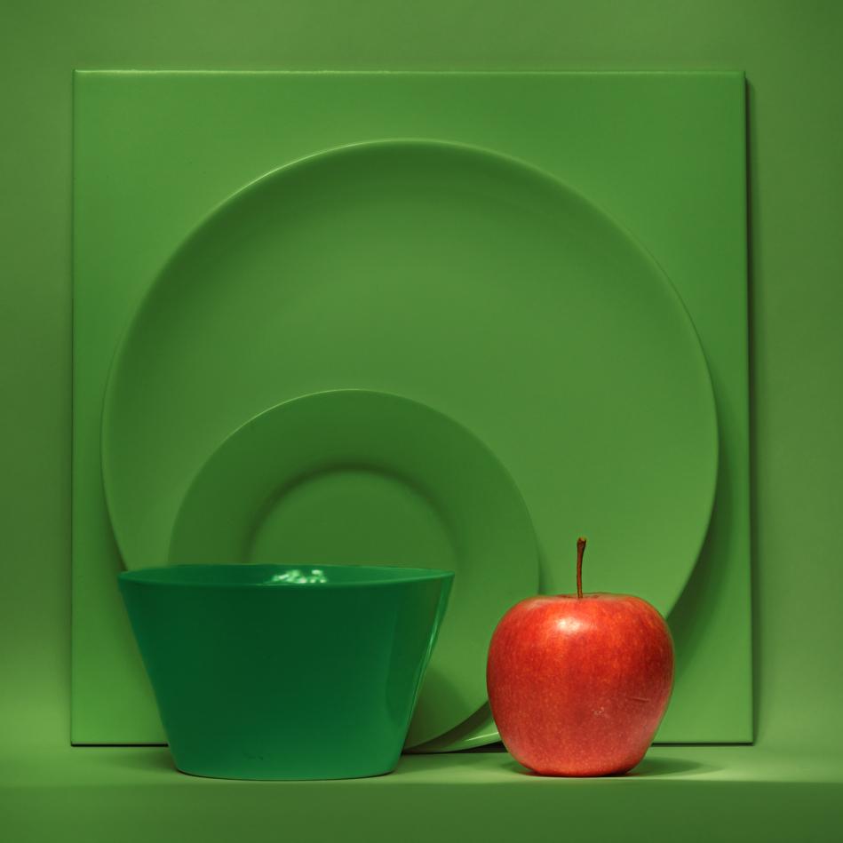 Натюрморт с ябълка | Author Rosen Delev - Nikoneff | PHOTO FORUM
