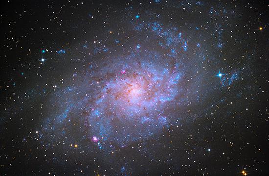 галактиката в Триъгълник или M33 (виж в голям размер  и за комфортно разглеждане  натисни бутон F11)     )   Author ViktorKD   PHOTO FORUM