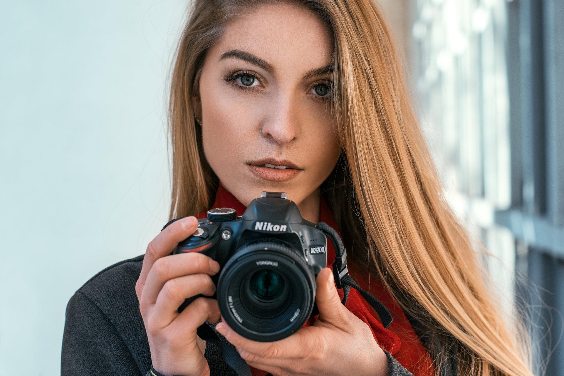 Тя обича Nikon | Author Любомир Митков - psiho91 | PHOTO FORUM