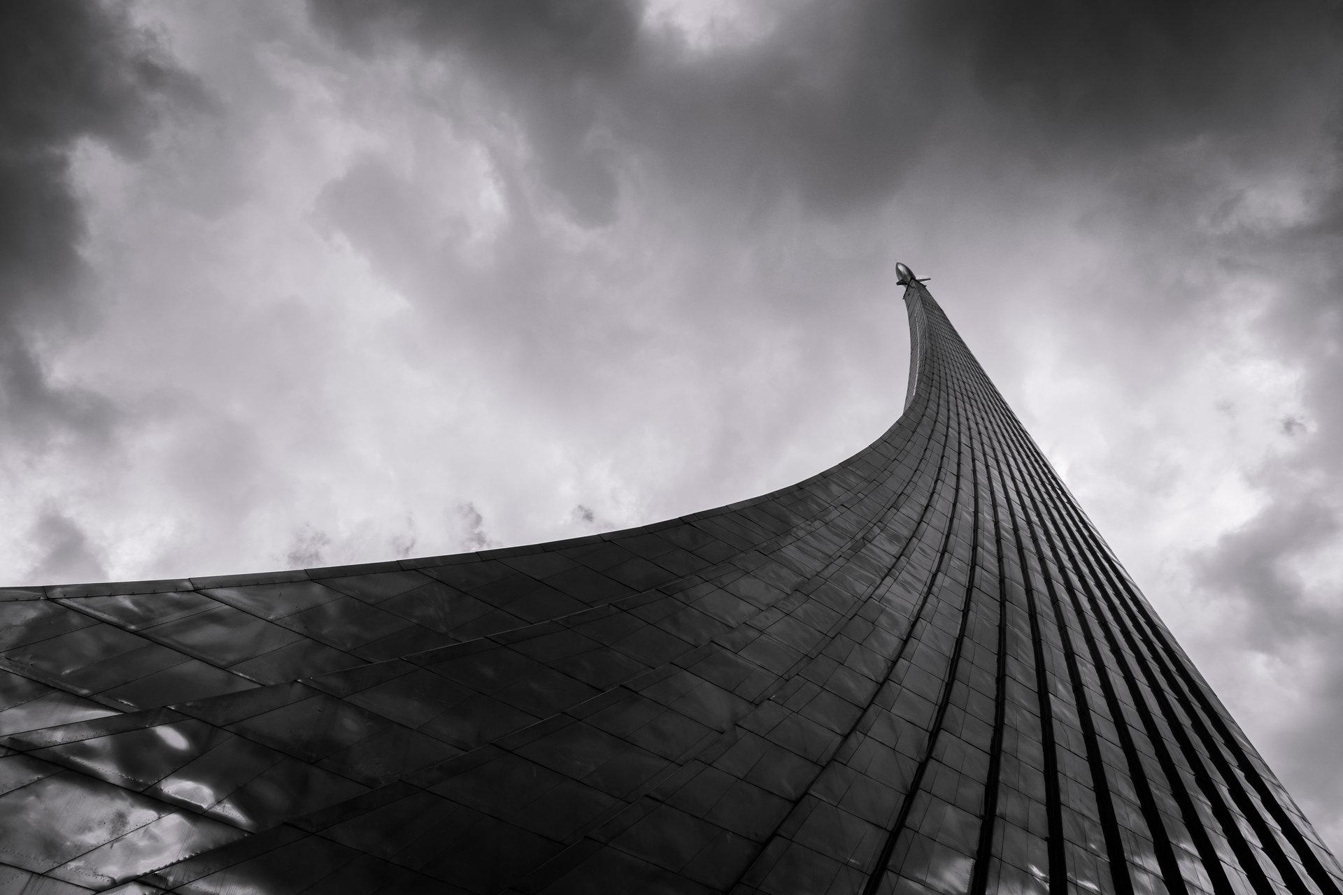 Монумент покорителям космоса от Evtim Hristov - eftooo