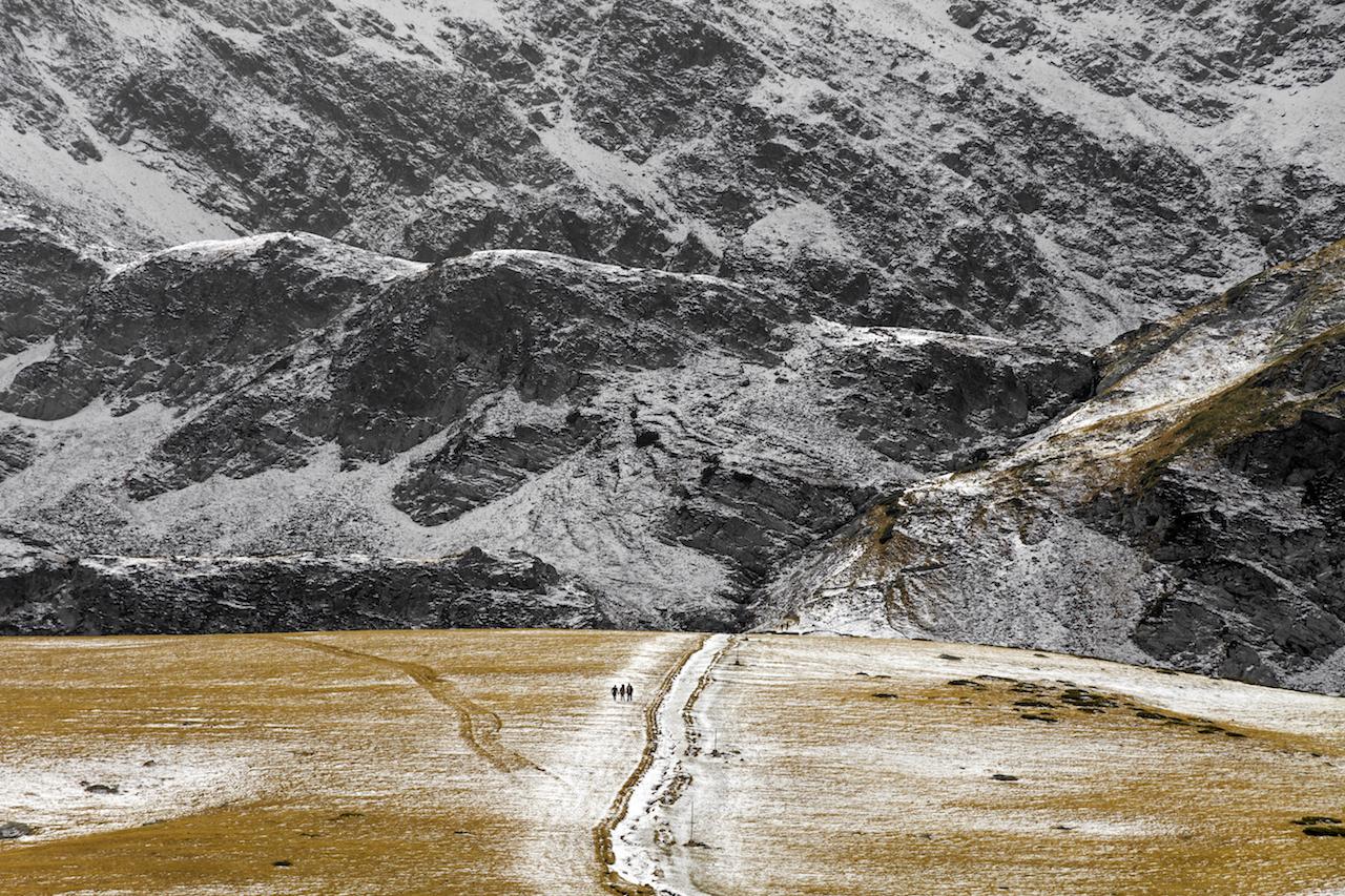 Езерата между сезоните от Стефан Захариев - broto