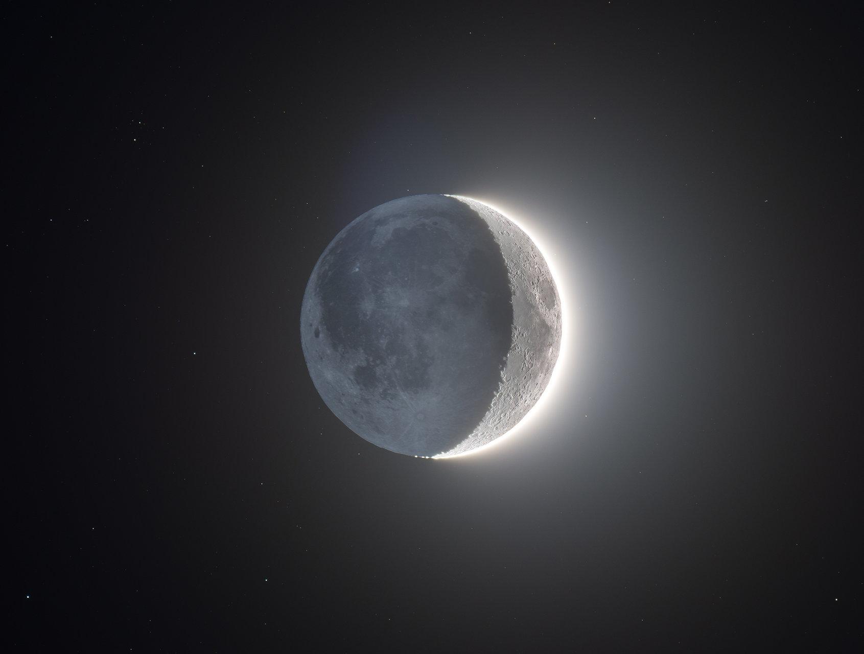 The Moon от Виктор Пенков - Pelinio