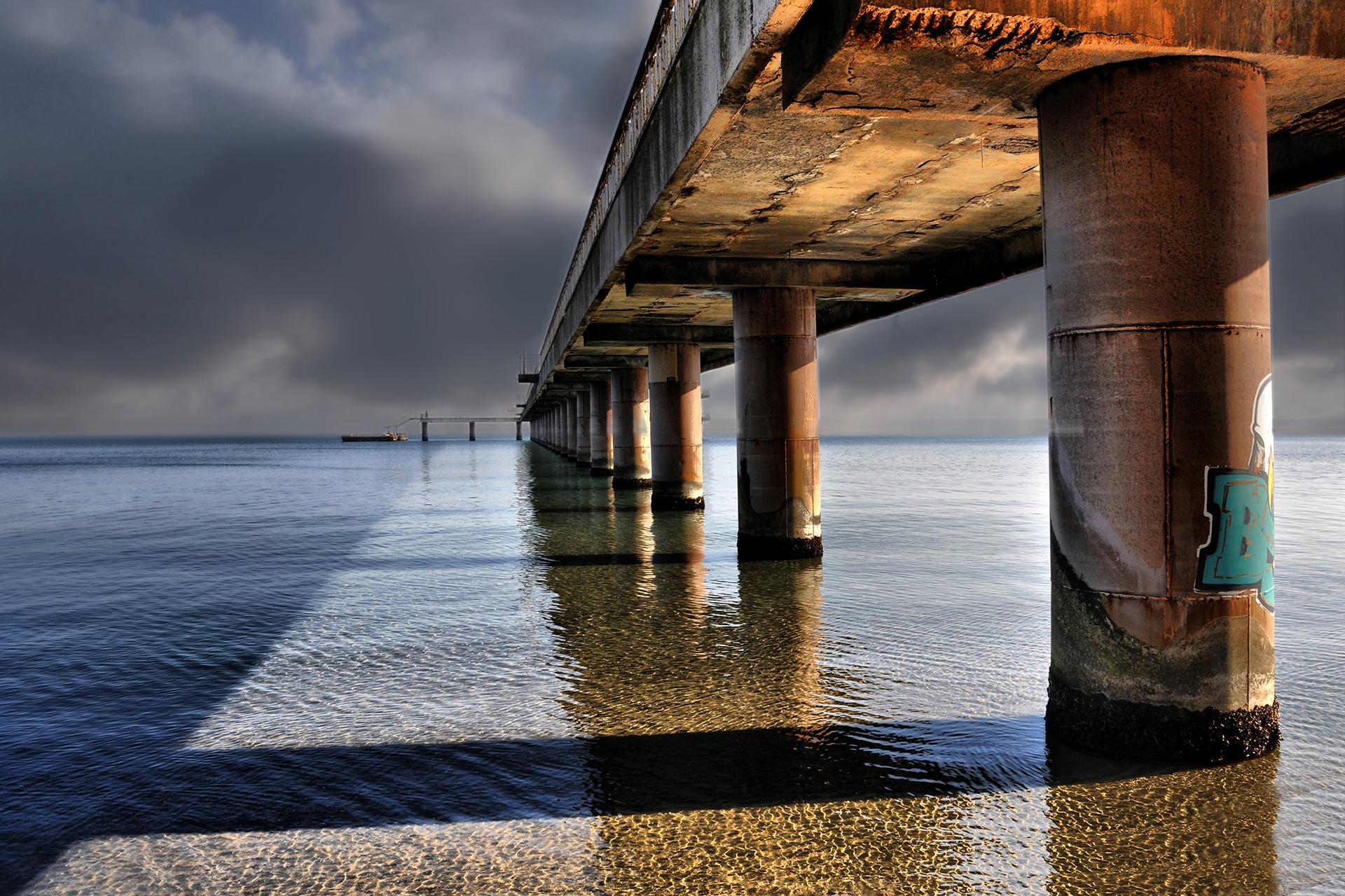 Светлини и сенки под моста   Author Djoro   PHOTO FORUM