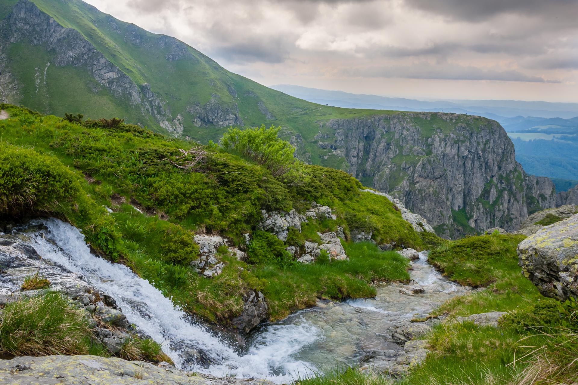 Северен Джендем,  река Василковица преди да скочи в бездната... от Tzvetan Ostromsky - ceco