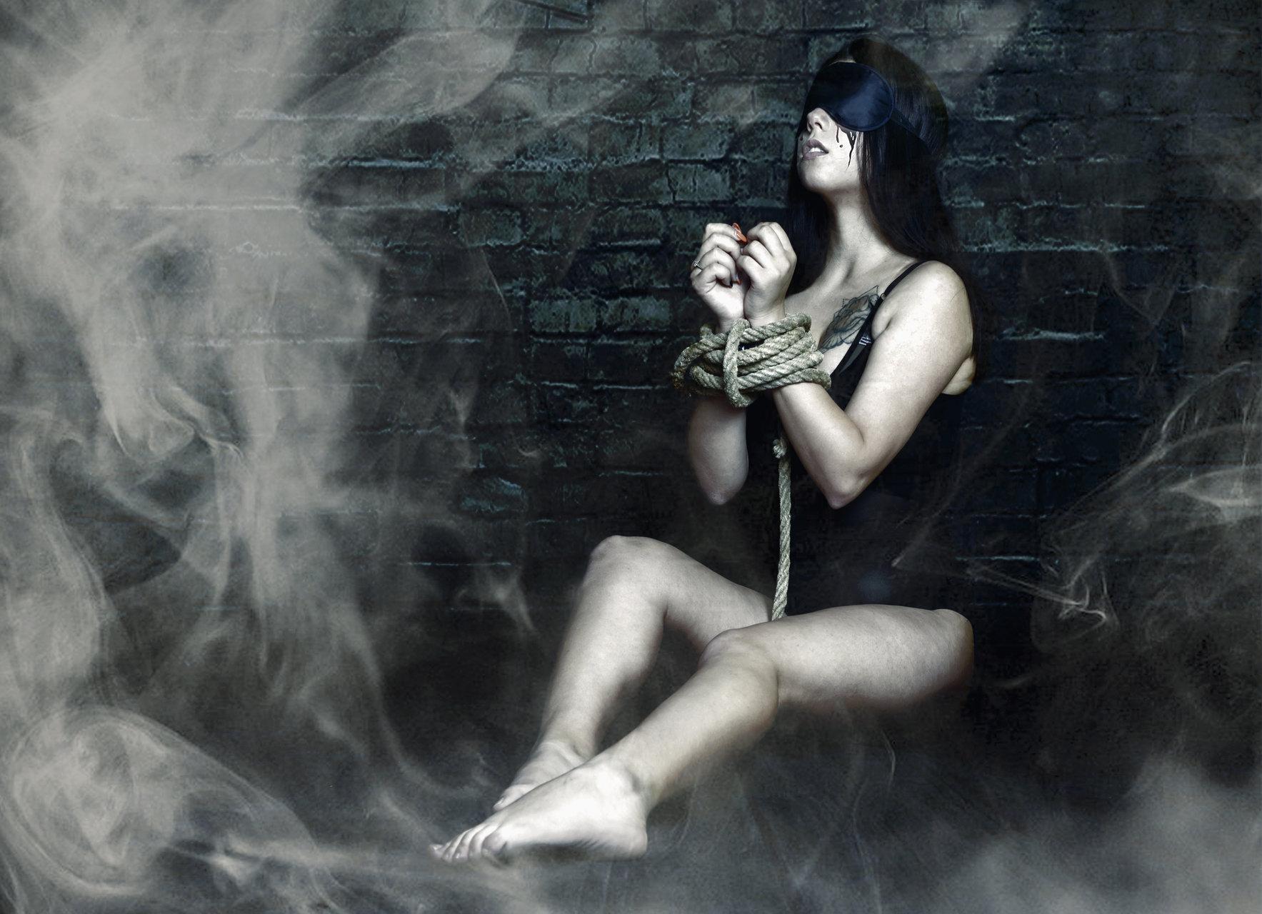 Заключена в кошмар | Author Dechko89 | PHOTO FORUM