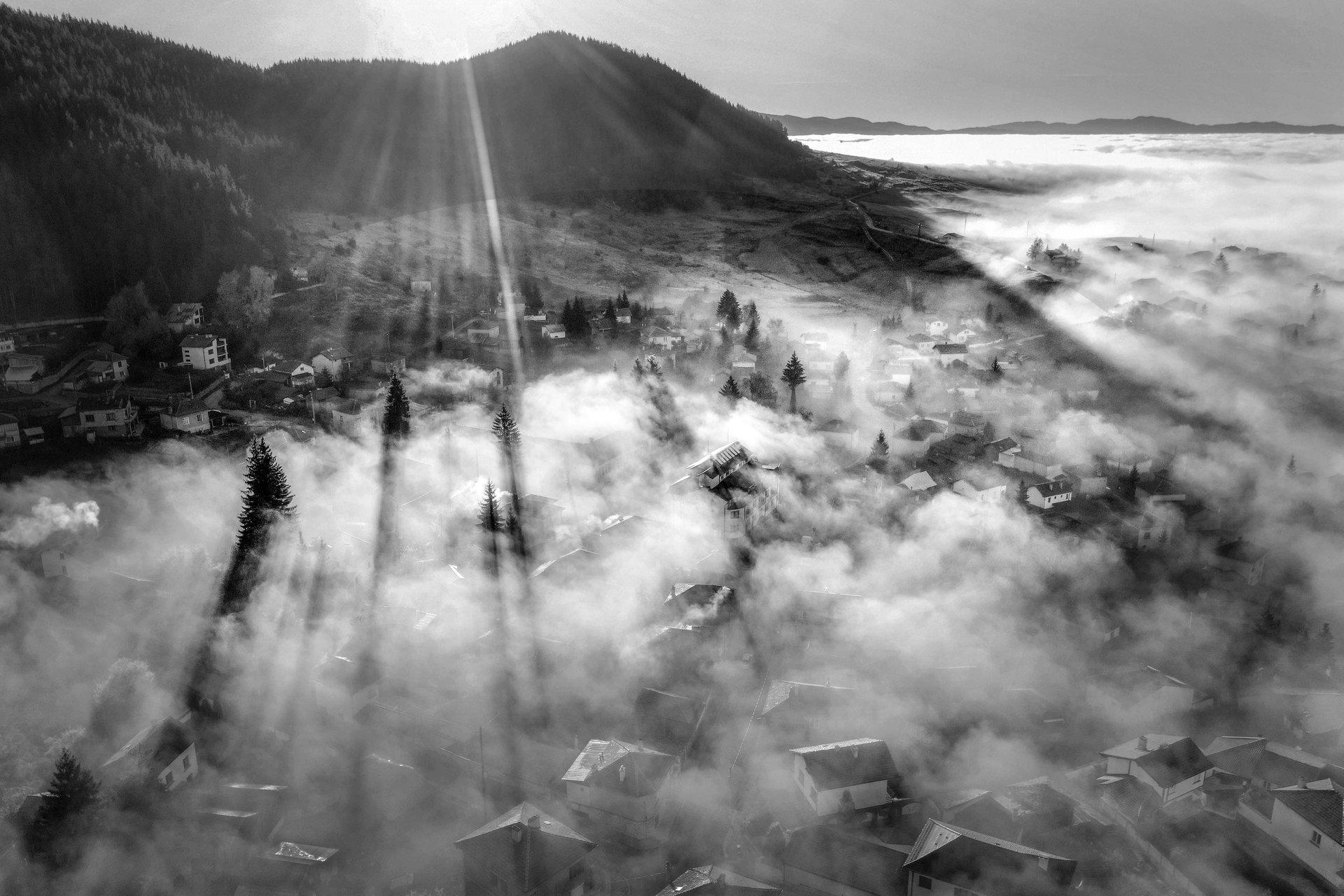 Сенки в мъглата.   Author Димитър Казаков - agy   PHOTO FORUM