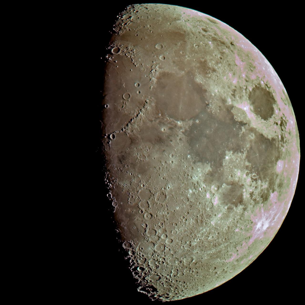 Луната по Коледа | Author damyan_rm | PHOTO FORUM