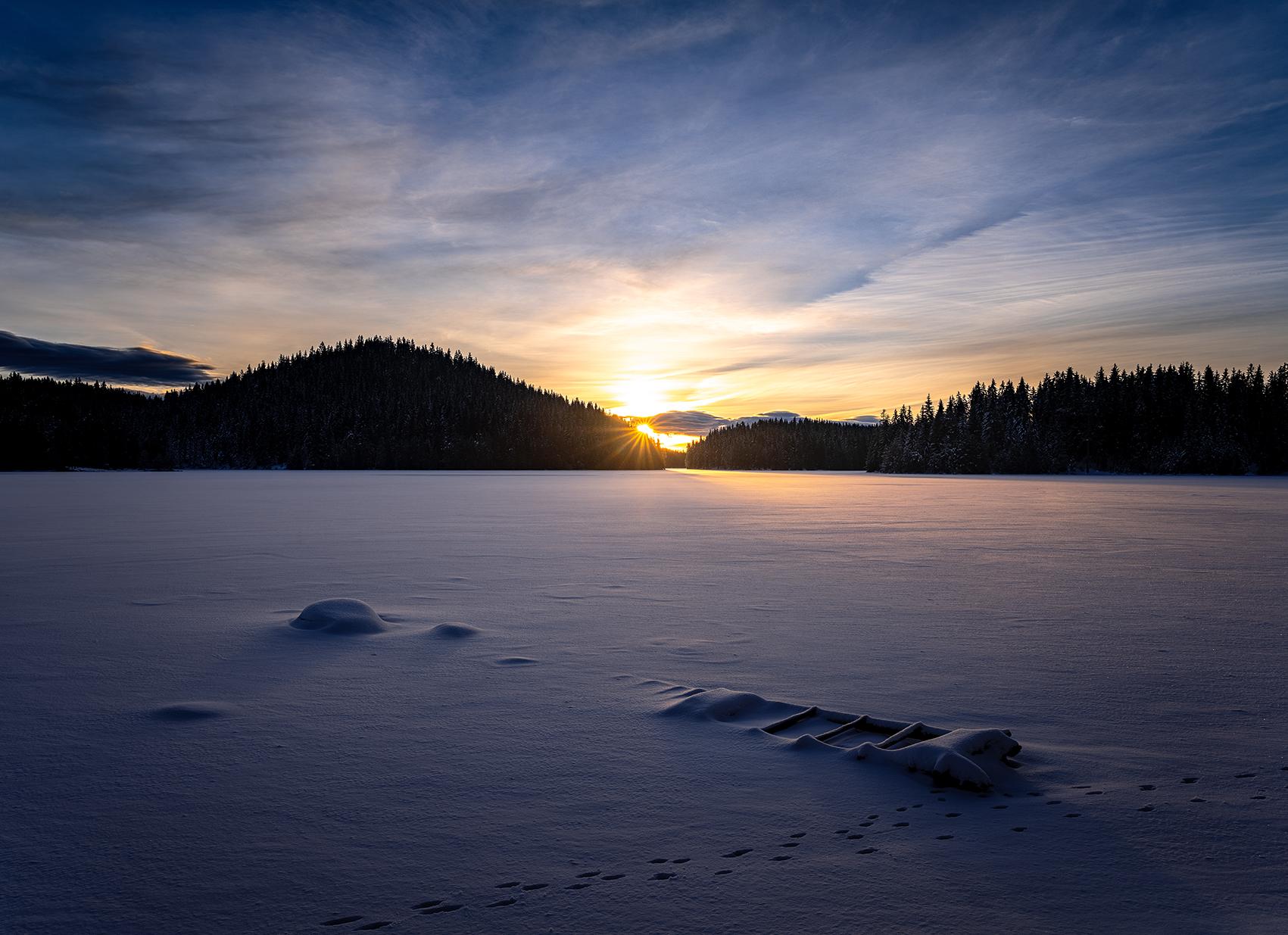 Sunrise with sunrays | Author Hristo Yordanov - ATHOM | PHOTO FORUM
