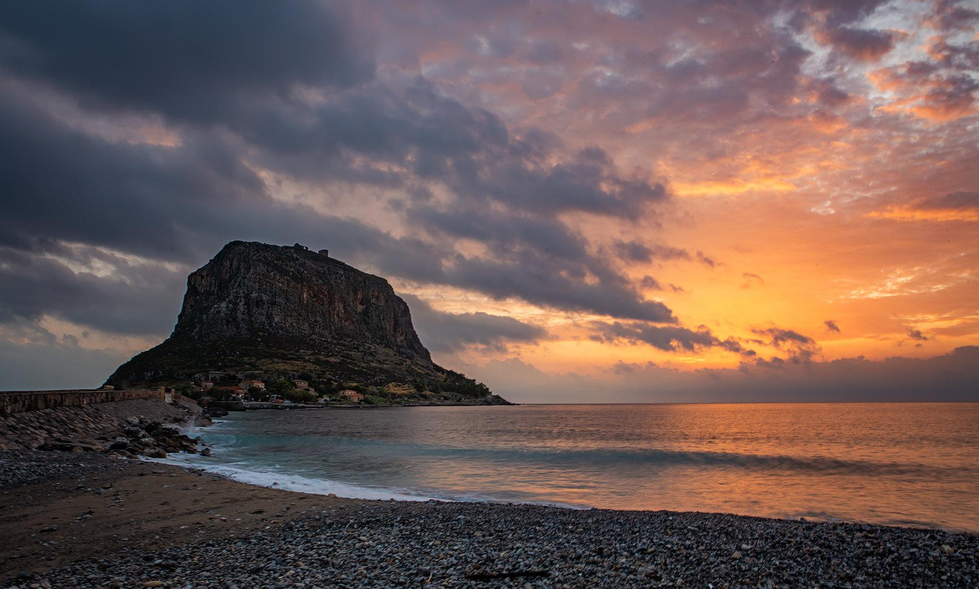 Островът   Author TEODORA IVANOVA - dorascal18   PHOTO FORUM