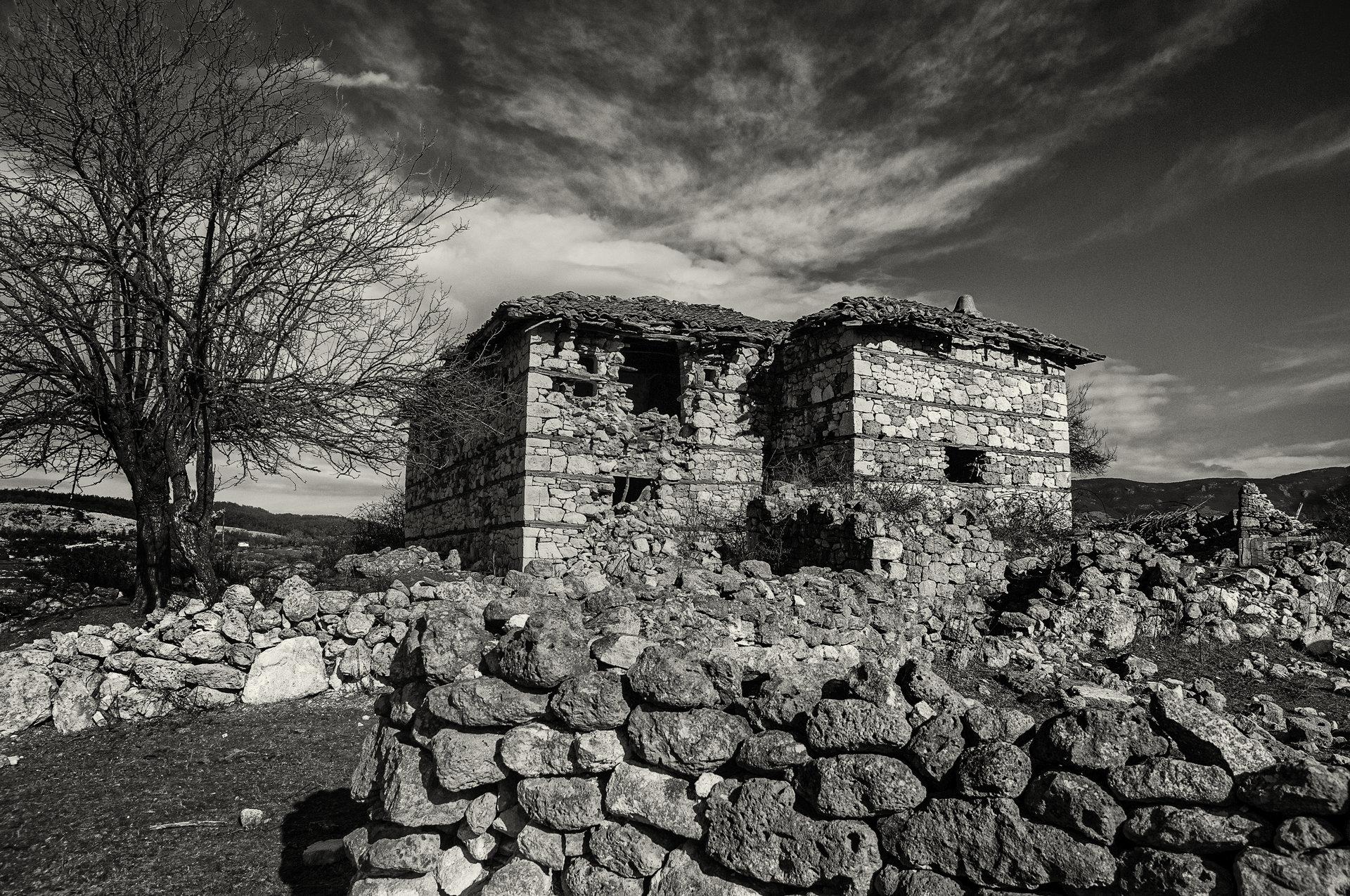 Къщи на ръба на света | Author Mariana Kirkova - haberlea_rhodopensis | PHOTO FORUM