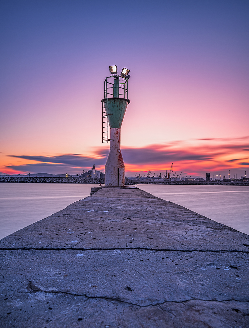 Малкият фар на пристанище Бургас | Author Vasil Nanev - vnanev | PHOTO FORUM