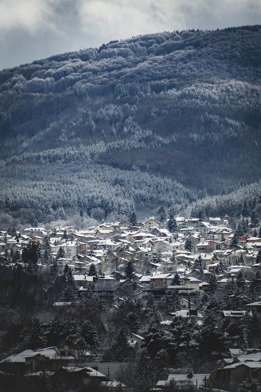 Късен сняг от Hristo Angelov - Ablanski