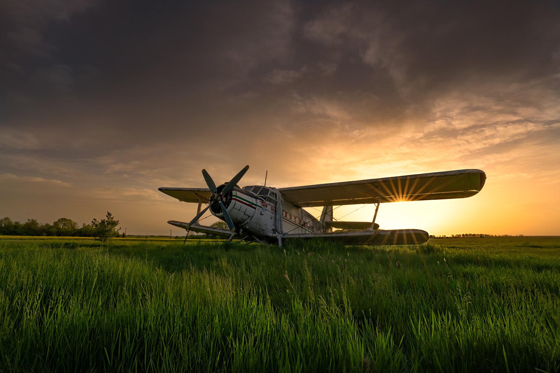 Стария АН-2 по изгрев... | Author Еди Адамов - edobg | PHOTO FORUM