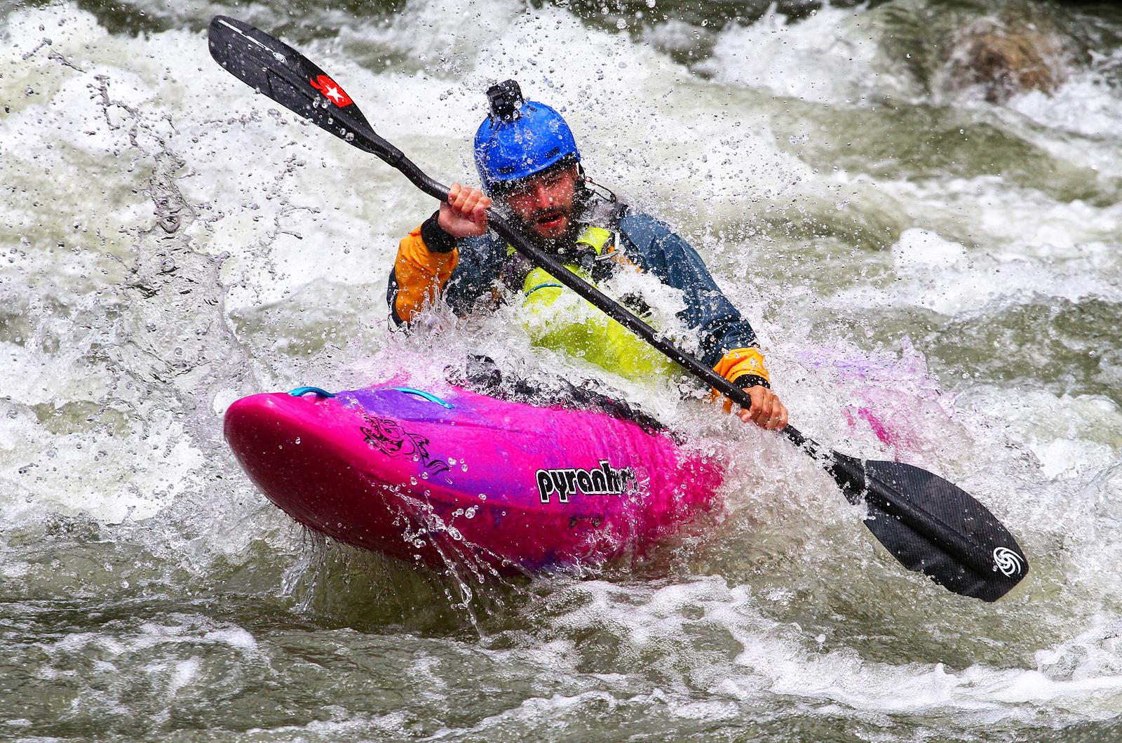 White Water Kayaking | Author Vladimir Gergov - Vladimir666 | PHOTO FORUM