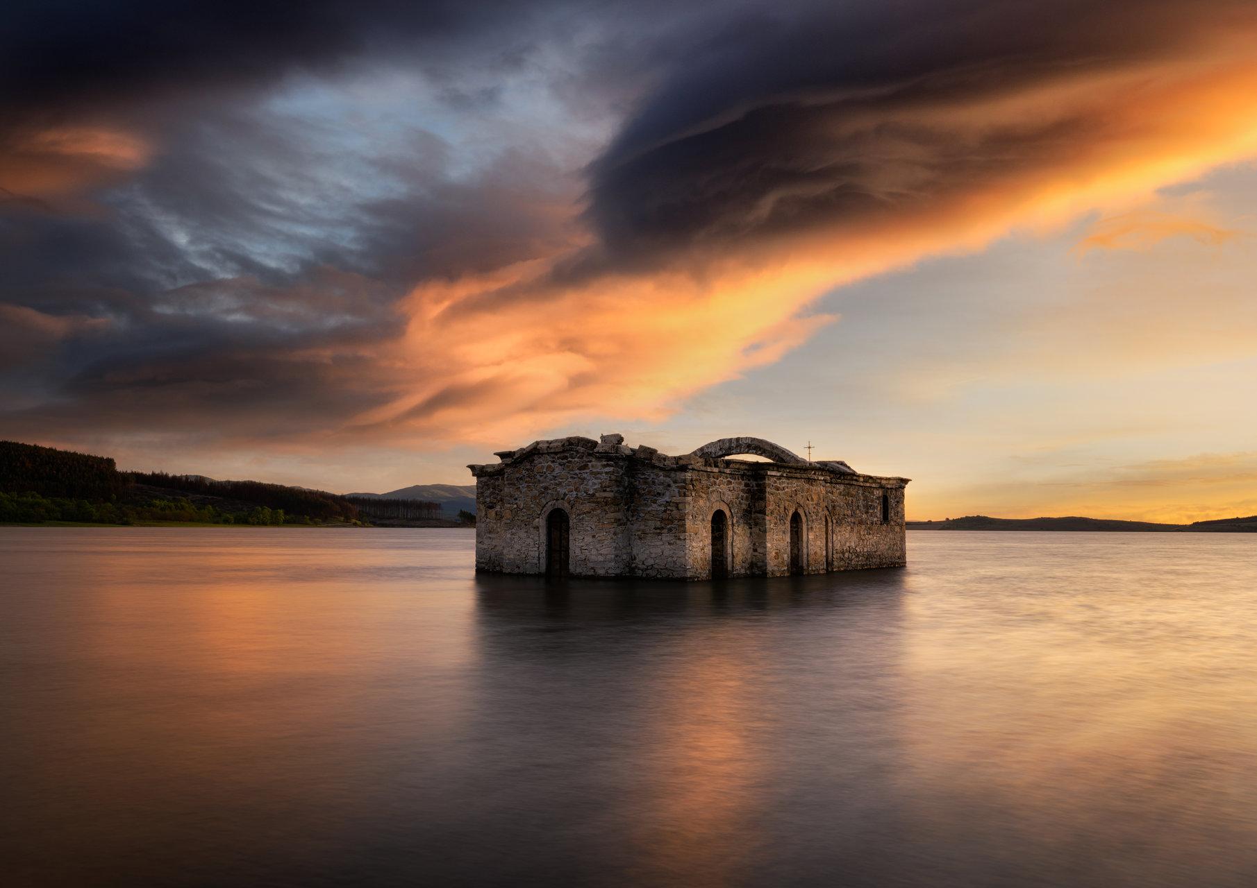 Потопената църква | Author Boyko Valchev - boiko90 | PHOTO FORUM