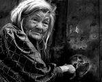 """Портрет,""""Самотница""""- Мария Касева -офталмолог, преживява старините си в помощната къща към църквата """"Св. Димитър ; comments:26"""