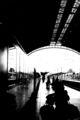 estacion de trenes, blanco y negro ; comments:11