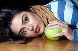 Портрет с ябълка ; comments:90