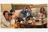 ...четири жени - четири фотоапарата ; comments:18