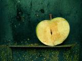 Натюрмортно неизядено в ябълково! ; comments:21