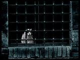 Един прозорец, един котак, едно око, една мечта - свобода!!! ; comments:65