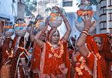 Сватбена процесия ; comments:59