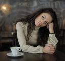 Непознатата от кафенето ; comments:74
