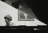 пак около Дебюси.......или зад рояла... ; comments:76