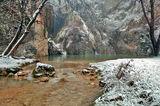 Хотнишки водопад - сняг и дъжд ; comments:49