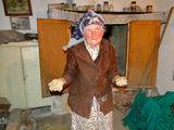 Баба Емине, току що е замазала пещта ; Comments:12