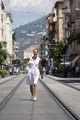 по жицата в Ница... и така крачка по крачка до червения килим в съседния град ; Comments:3