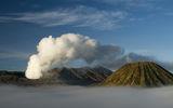 Вулканите Бромо (димящ) и Баток в големия кратет Тенгер, Източна Ява, Индонезия ; comments:46