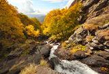 Поглед от подножието на Бабското пръскало към южна  Стара планина ; comments:37
