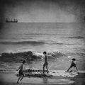 ...нарисувах в пясъка мечта...нищо,че вълните ще я скрият ; comments:24