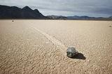 Движещите се камъни ; comments:51