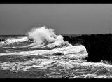 Иде буря край бреговете на с.Тюленово ; comments:4