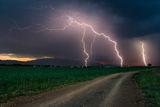 напред към бурята, където светкавици пържат мозъка ти и нанасят изгаряща болка ... ; comments:39