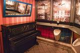 Виена,  Opera Toilet Bar ; Comments:1