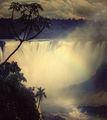 На границата между Бразилия и Аржентина-водопадите Игуасу ; comments:45