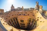 Покривът на Барселона ; comments:38