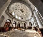 Входната зала на горнобанската баня ; comments:8
