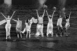 Играещи във вълните ; comments:21