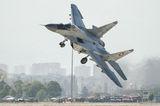 Зрелищно излитане и страхотен пилотаж на командващия Военновъздушните сили на България генерал-майор Румен Радев, 11.10.2014 г., летище София ; comments:20