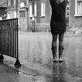 """""""...защото е изкуство под дъжда   да можеш да говориш със водата. """" ; comments:9"""